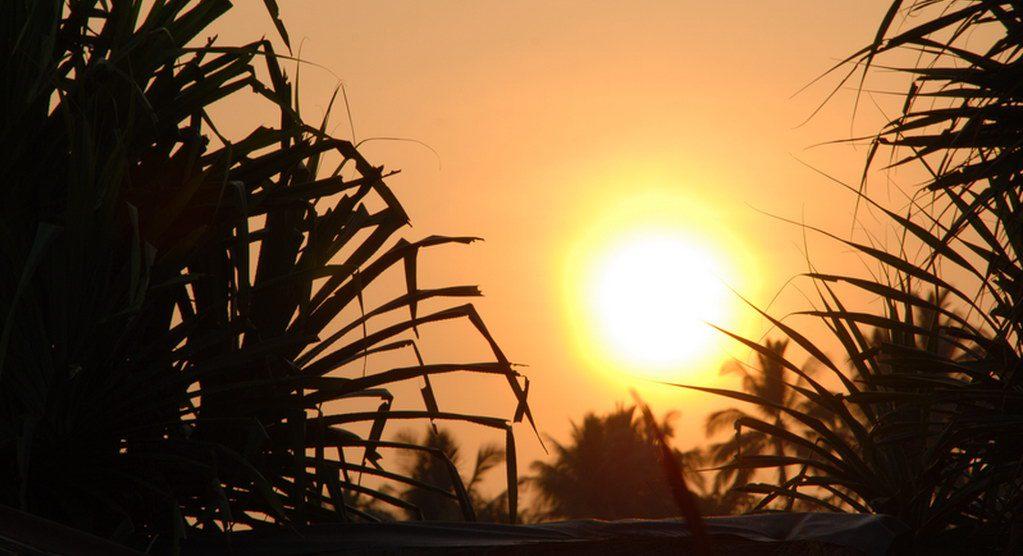 Hari 1 : Sawarna ( Batu Layar, Goa Lalay, Homestay Widi, Pantai Ciantir )