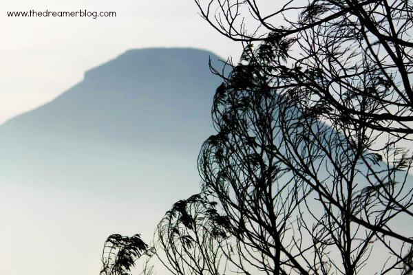 Hari 2 : Liburan ke Dieng ( Sunrise Sikunir, Theater Dieng, Bukit Sikendil, Kawah Sikidang, Candi Arjuna )