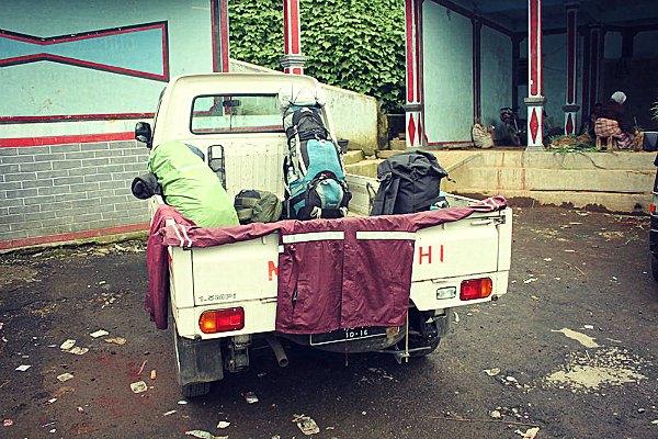 Mobil Pengangkut ke Basecamp Gunung Sumbing
