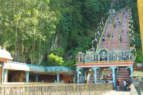 Hari 2 : Kuala Lumpur ( Batu Caves, Genting Highlands )