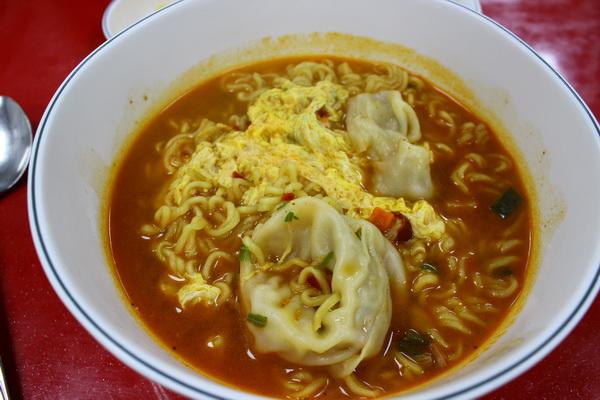 Ramen Dumpling di sekitar Hapjeong Station