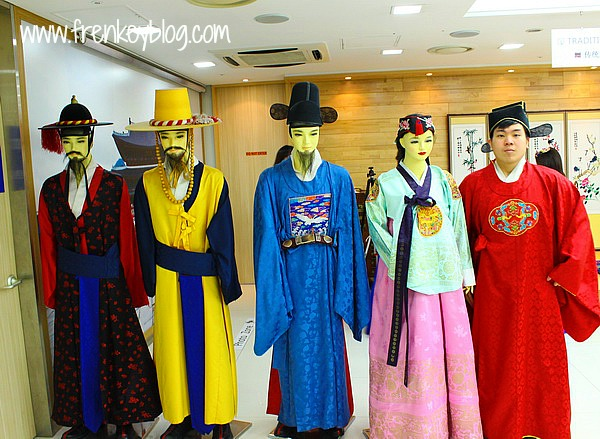 Sample Free Hanbok Experience