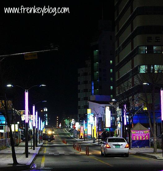 Jalanan Sokcho yang Sepi di Malam Hari