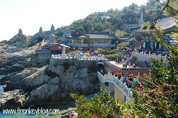Hari 11 : Busan ( Yonggungsa Temple, Haeundae Beach and Market )