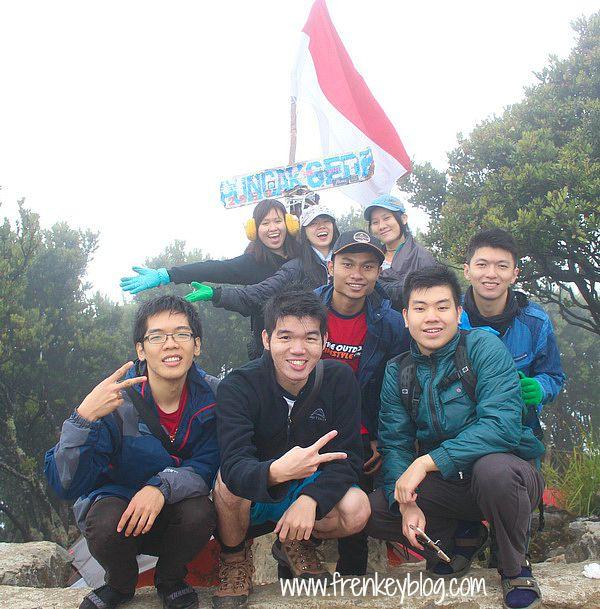 Puncak Gunung Gede  ( 2.958 mdpl )