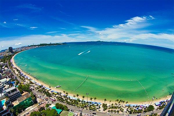 Pattaya Beach dan Tempat Wisata Menarik Lain di Pattaya