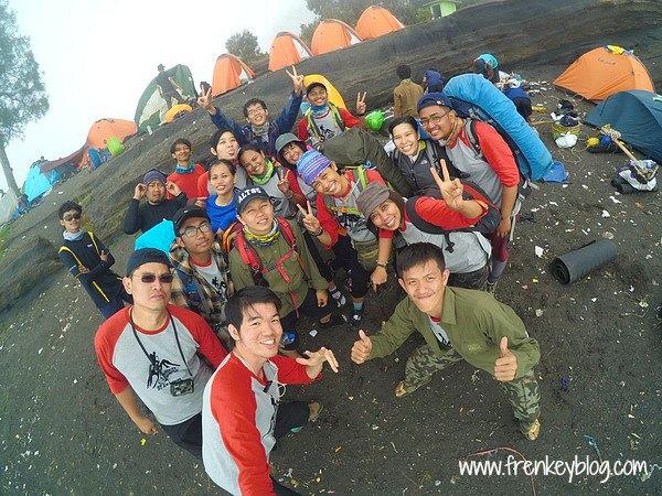Full Team Pendakian Rinjani dari Senaru ke Sembalun