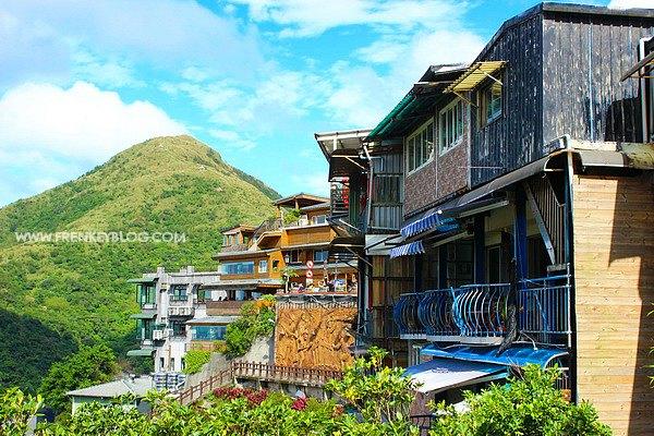 Hari 3 : Keliling Yehliu, Jiufen, Shifen Seharian dengan Tour Lokal
