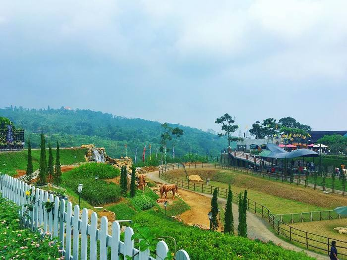 The Ranch Cisarua Puncak ( Photo : https://www.instagram.com/rizkaameliaa/ )