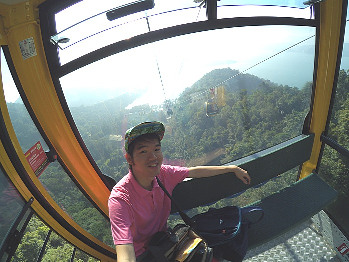 Narsis & Check-In dulu di dalam Cable Car Sun Moon Lake